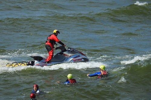lifesaver  exercise  sea