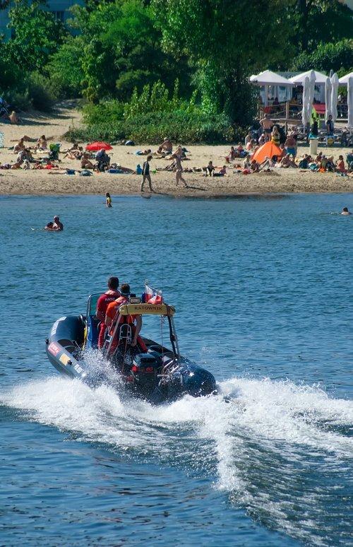 lifesaver  pontoon  water