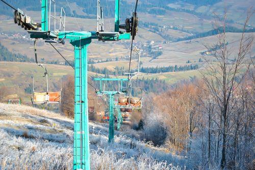 lift skiing mountains