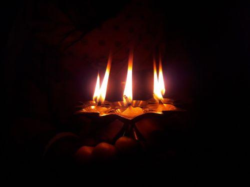 light lamp darkness
