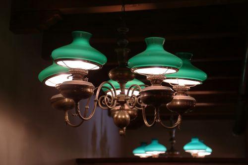 light saloon green