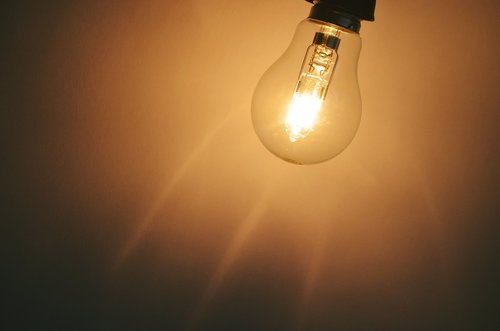 light  bulb  energy