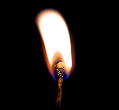 light phosphorus turn on