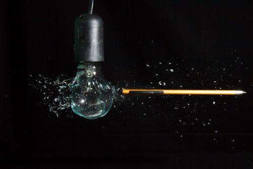 lemputė,šviesa,trapi,kriaušė,sprogimas