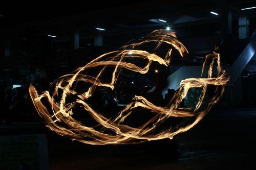 light painting fire dancing fire