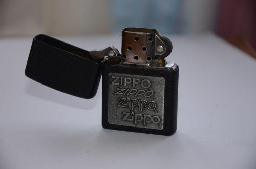 lighter zippo smoking
