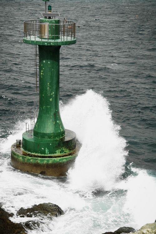 lighthouse sea foam