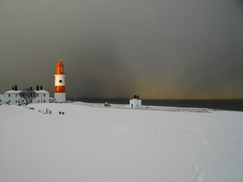 lighthouse snow south shields