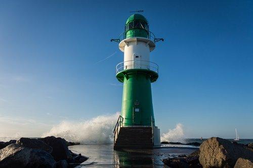 lighthouse  sea  port
