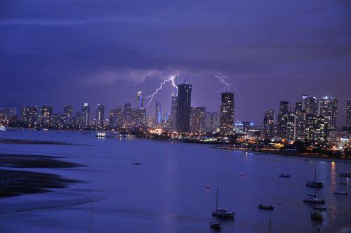 lightning storm queensland
