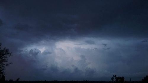 lightning alabama august