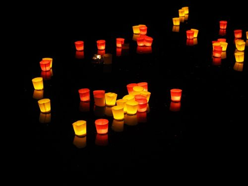 lights candles floating candles