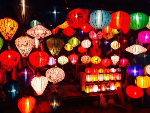 lights lanterns balloons
