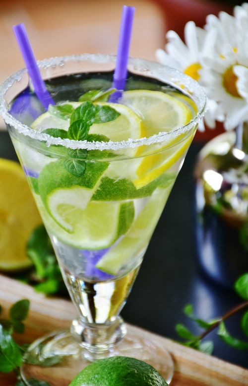 lime drink mineral water