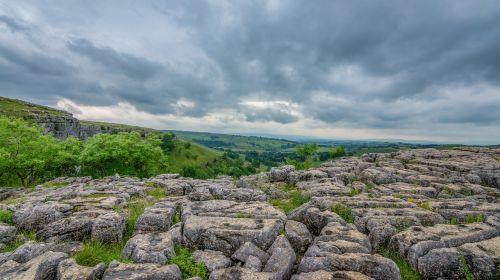 limestone causeway malham malham cove