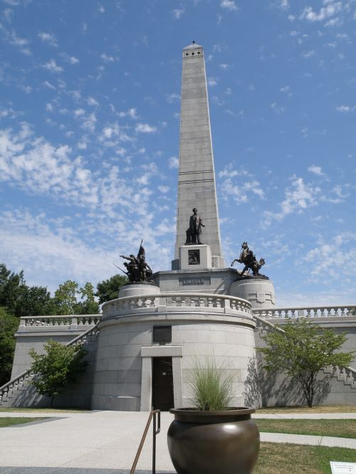 lincoln tomb springfield illinois