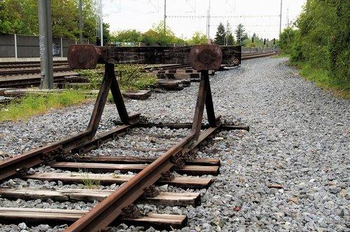 line  end  track