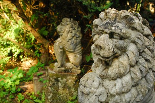 lion stone figure statue