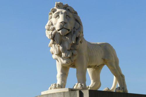 lion statue figure
