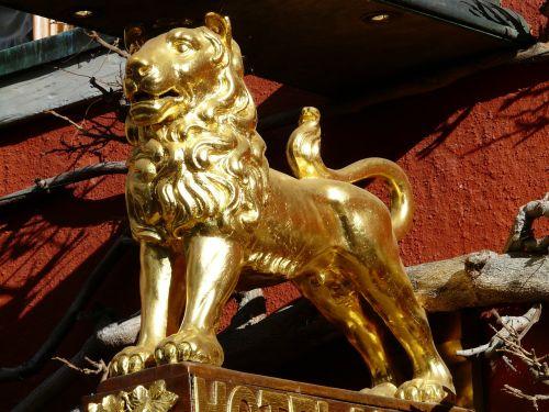 lion golden inn