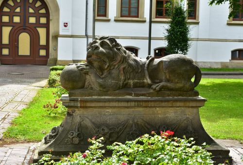 lion stone lion stature