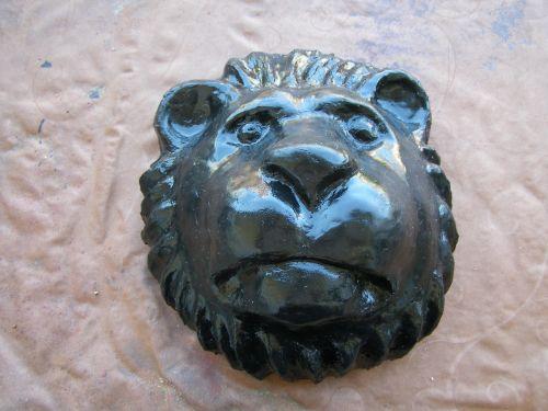 lion head art hand labor