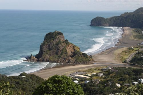 lion rock piha auckland