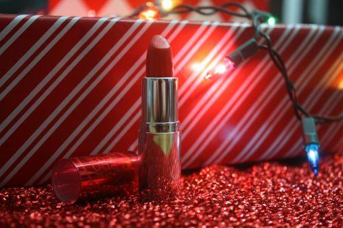 lipstick decor red