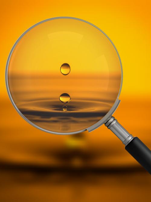 liquid drip magnifying glass