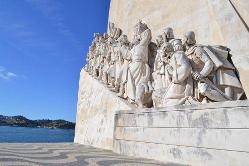 lisbon monuments discoveries