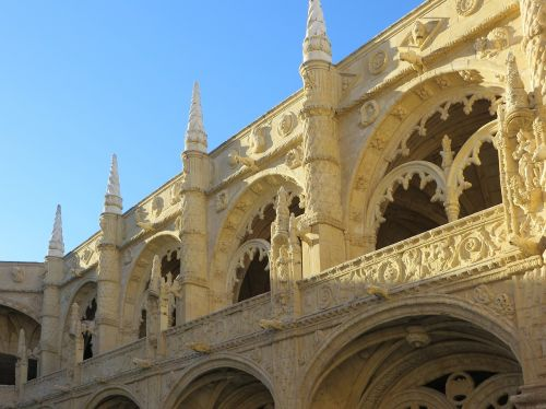 lisbon,hyeronymite,convent,manuelin,architecture,arcades,columns,monastery,portugal,manueline style,cloister
