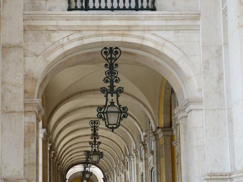 lisbonas,Senamiestis,portugal,architektūra,arcade,arcade,arkos,praėjimas,žibintas,lempa,istoriškai,žibintai,šviesa
