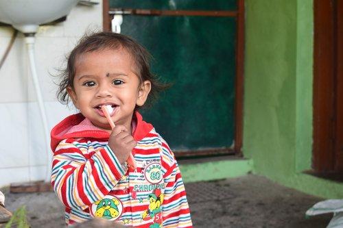 little  kid  brushing