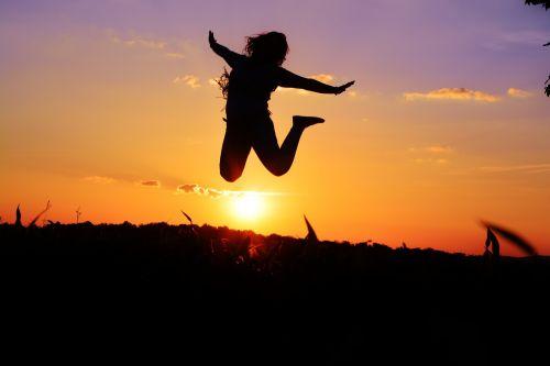 gyventi,šokinėti,džiaugsmas,gyvenimo būdas,gyvenimo būdas,šokis,gyvenimo džiaugsmas,elgesys,nuotaika,geismas visam gyvenimui,Asmeninis,lebensart žmonės,požiūris,judėjimas,saulė,siluetas,linksma,žmogus,atsirasti,gyvas dizainas,sėkmė,pasitenkinimas