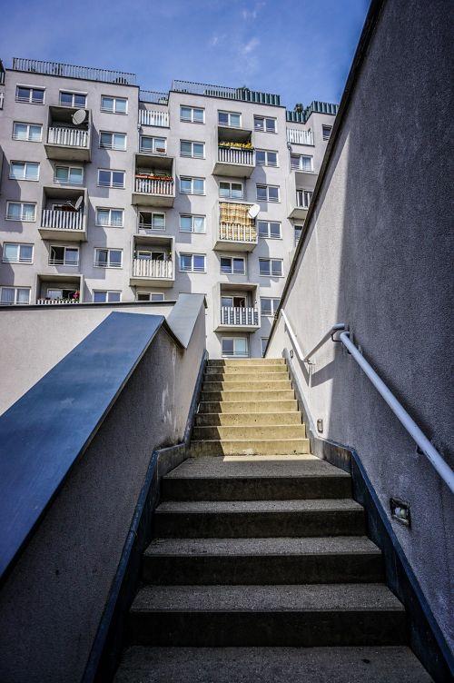 live housing apartments