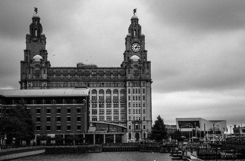 liverpool  liver building  landmark