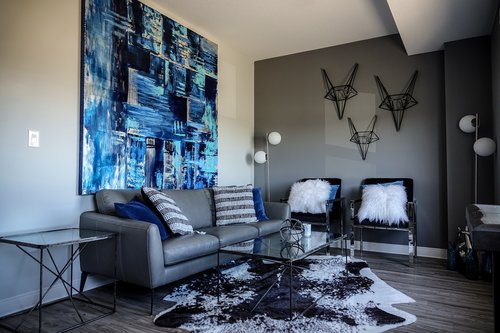 living room  blue  blue painting