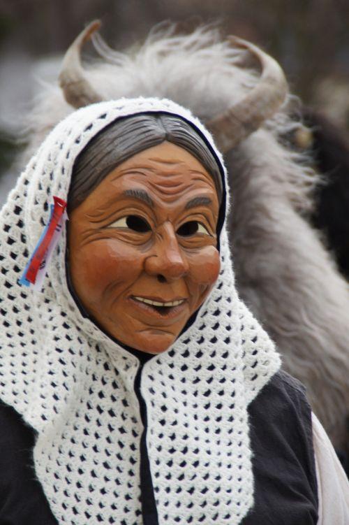 liz woman headscarf