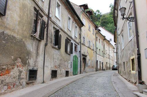 ljubljana alley homes
