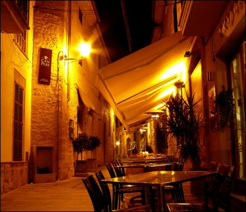 local restaurant inn
