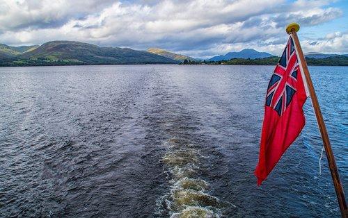loch  water  tranquil