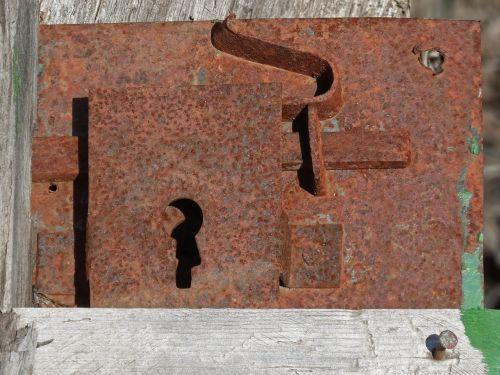 užraktas,durys,senas,rusvas,mechanizmas,atviras,varžtas
