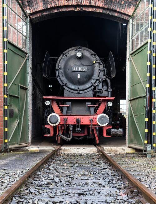 lock railway steam locomotive