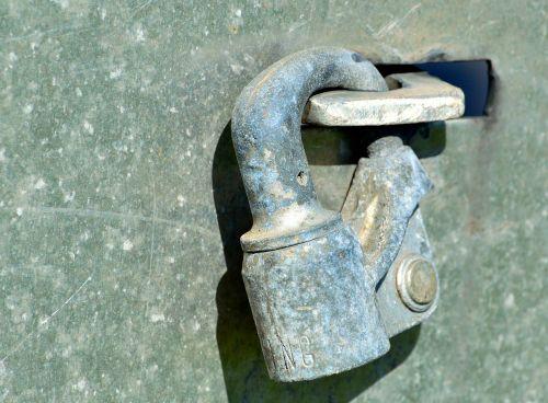 lock clasp rust