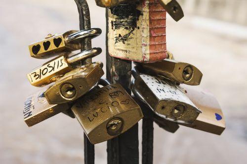 locks love locks macro