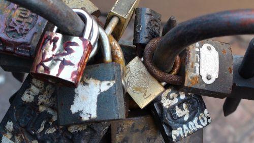 locks love romance