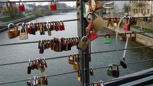 locks bridge romantic