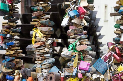 locks love forever
