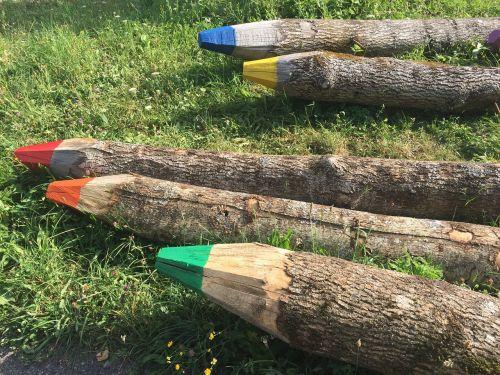 log colored pencil wood