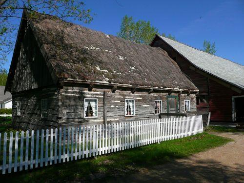 log house barn wooden